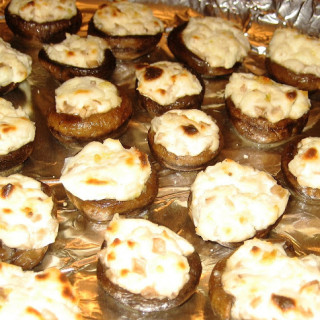 Cheese Stuffed Mushrooms (gluten-free, contains dairy)