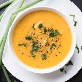 Creamy Potato Leek Soup (Vegan)