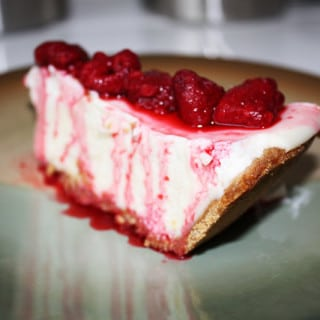 Traditional Cheesecake w/Fruit (contains dairy, gluten-free option)