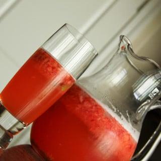 Strawberry Mint Lemonade (vegan, gluten-free)