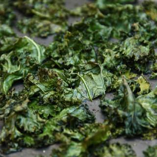 Kale Chips (vegan, gluten-free)