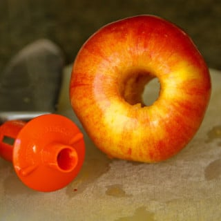 Baked Apple Chips w/Cinnamon (gluten-free, vegan)