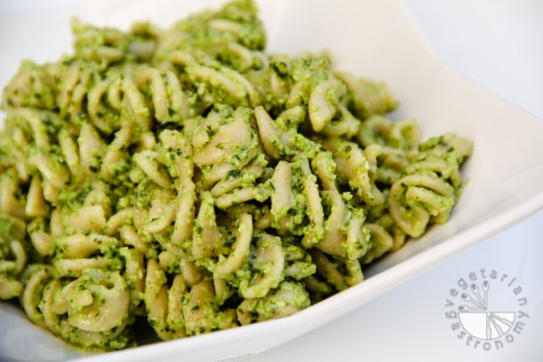Broccoli Pesto (gluten-free, contains dairy) - Vegetarian ...