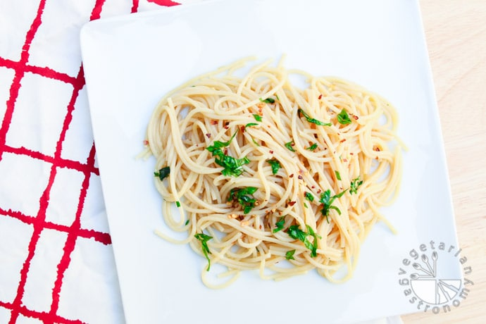 garlic olive oil spaghetti-3