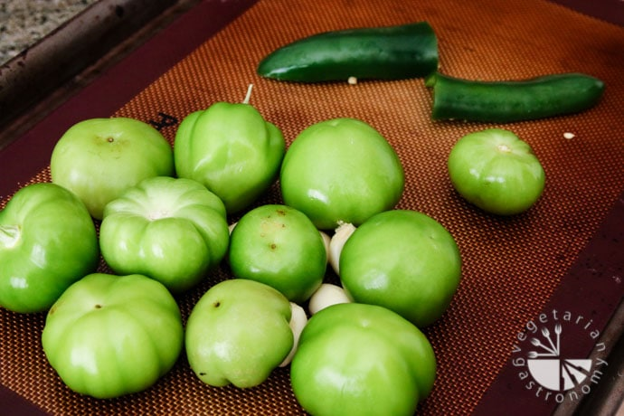 roasted tomatillo salsa-2