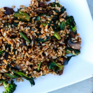 Crispy Garlic Fried Brown Rice w/Kale (vegan, gluten-free)