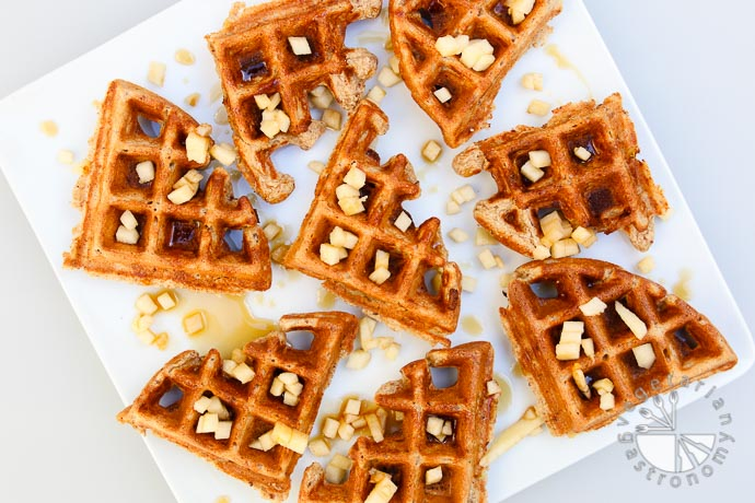 apple cinnamon waffles-1