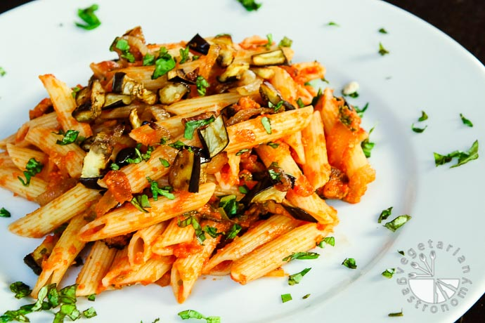 roasted eggplant caramelized onion pasta-8