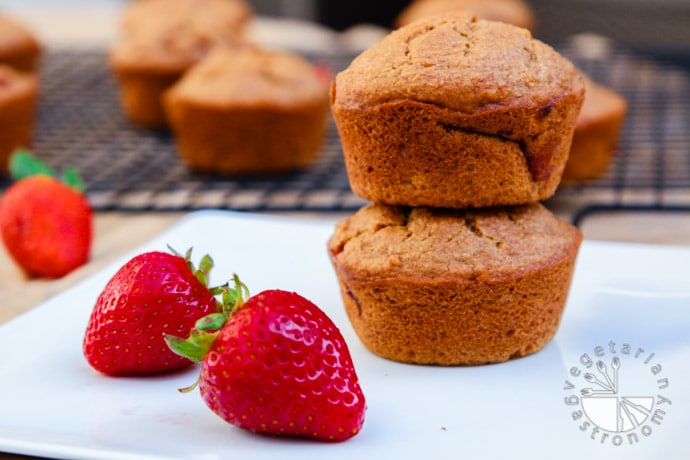 strawberry breakfast muffins-4
