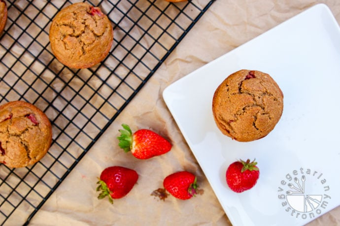 strawberry breakfast muffins-5