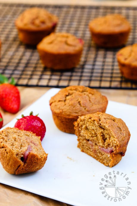 strawberry breakfast muffins-7