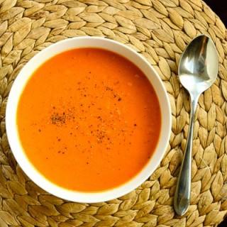 Creamy Italian Tomato Soup (gluten-free, contains dairy)