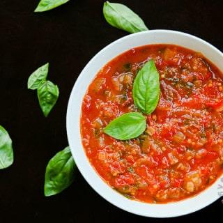 Spicy Tomato Sauce (vegan, gluten-free)