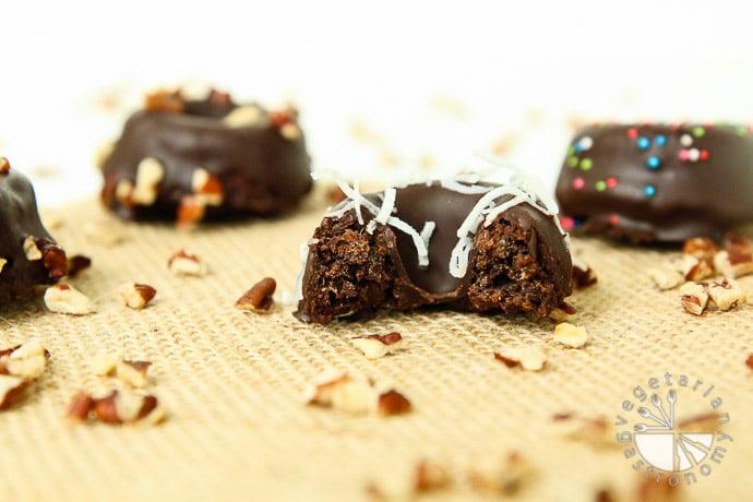 chocolate chia donut cakes-15