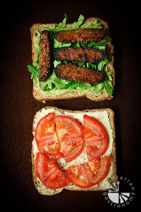 crispy tempeh arugula sandwich-5