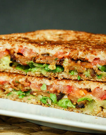 crispy tempeh arugula sandwich-7