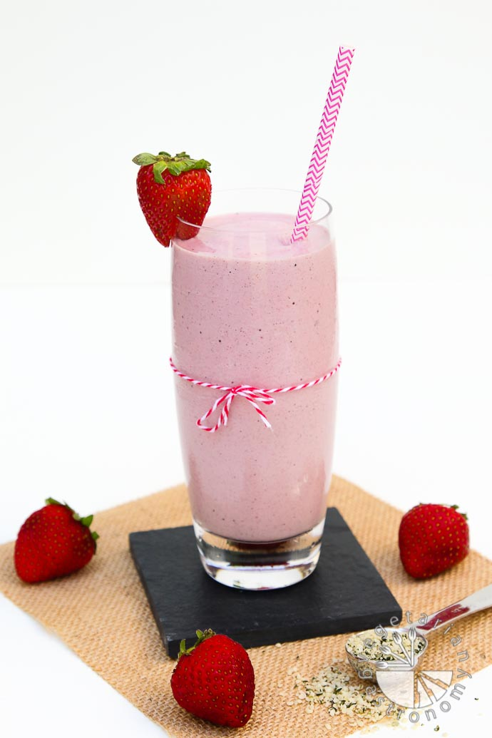 strawberry hemp milkshake-3