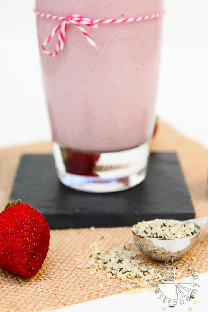 strawberry hemp milkshake-4