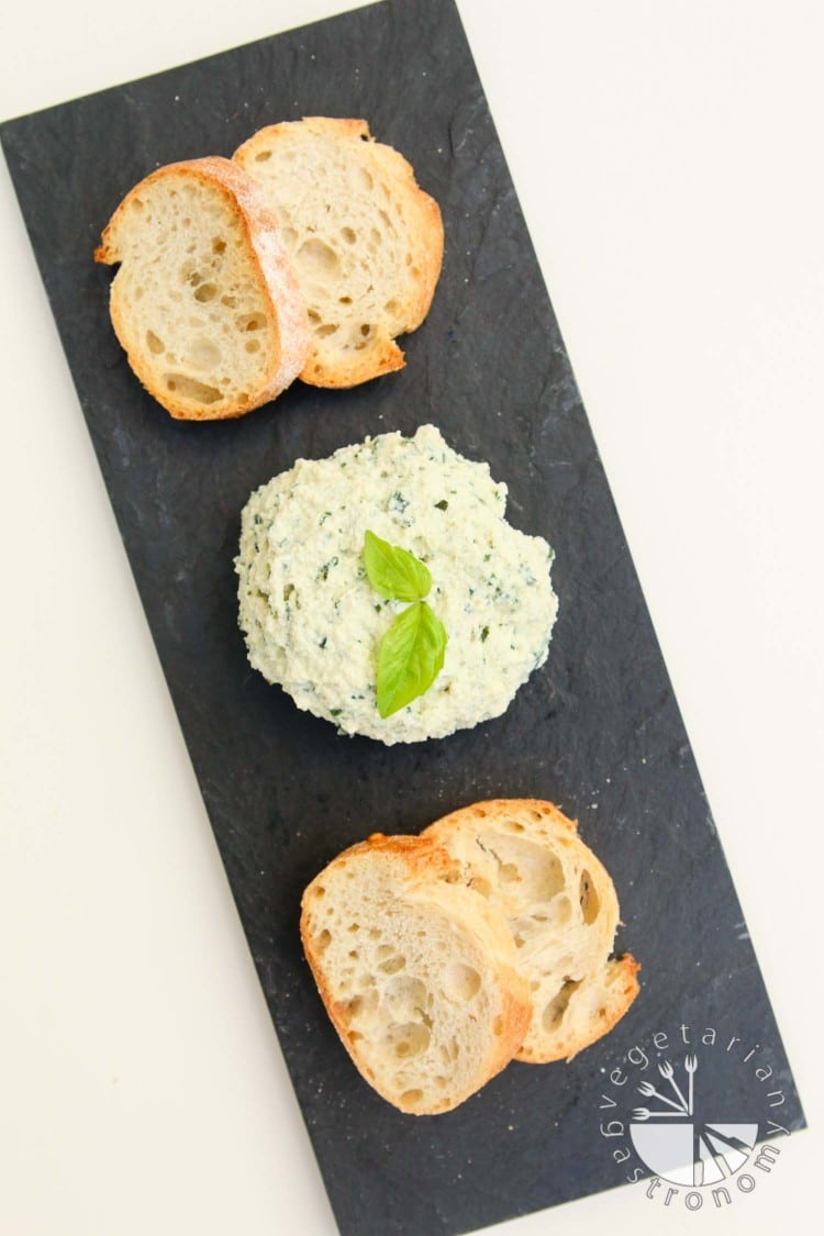 garlic basil vegan ricotta cheese spread-2