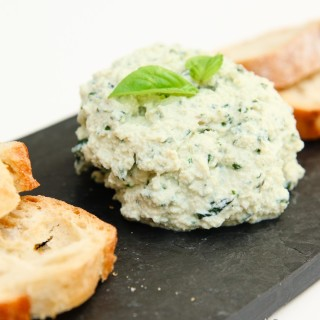 garlic basil vegan ricotta cheese spread-3