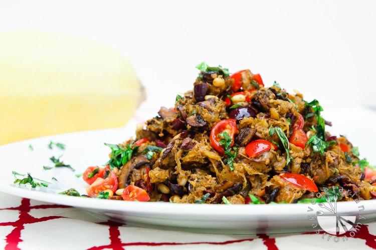mediterranean spaghetti squash-5