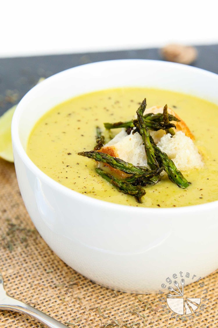 creamy roasted asparagus soup-6