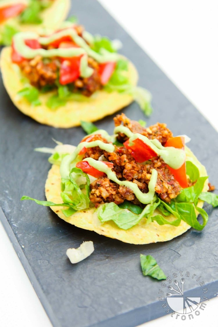 mini walnut sun-dried tomato crumble tostadas-4