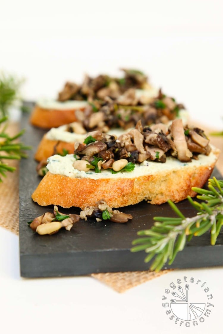 Mushroom Crostini Garlic Basil Cheese Spread-2
