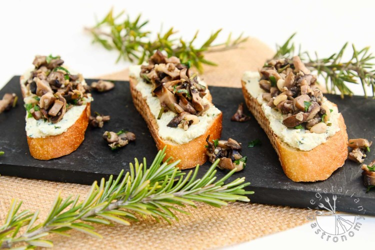Mushroom Crostini Garlic Basil Cheese Spread-6