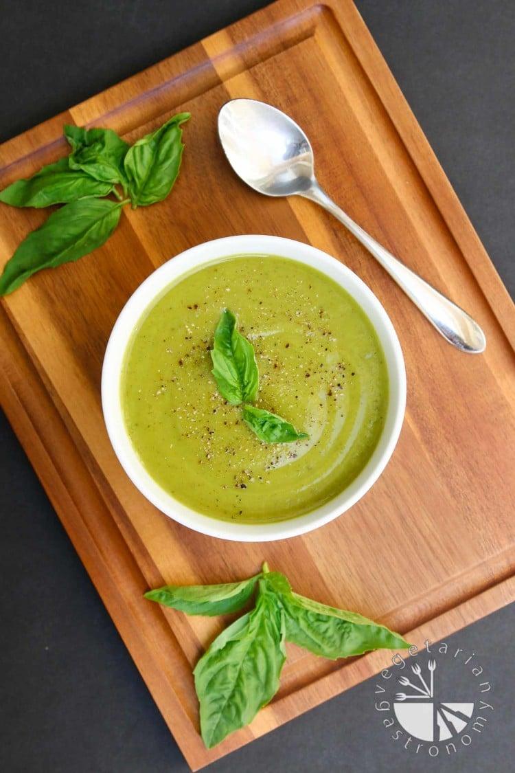 Velvety Zucchini Basil Soup-1