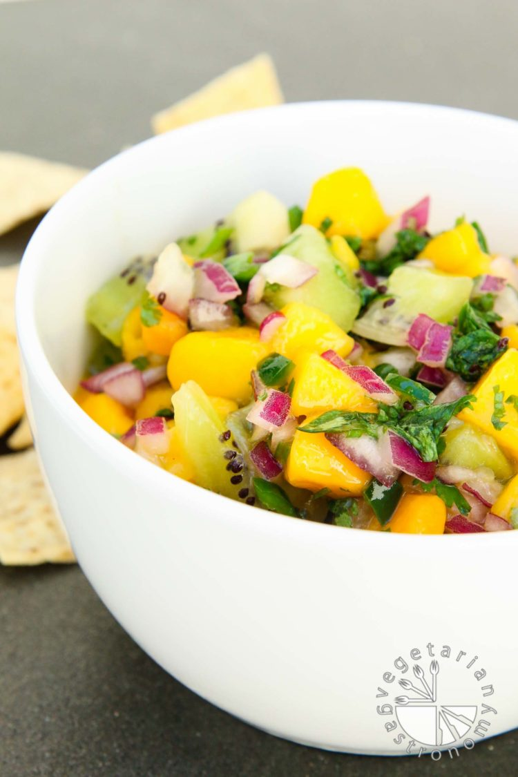 fresh mango kiwi salsa-3