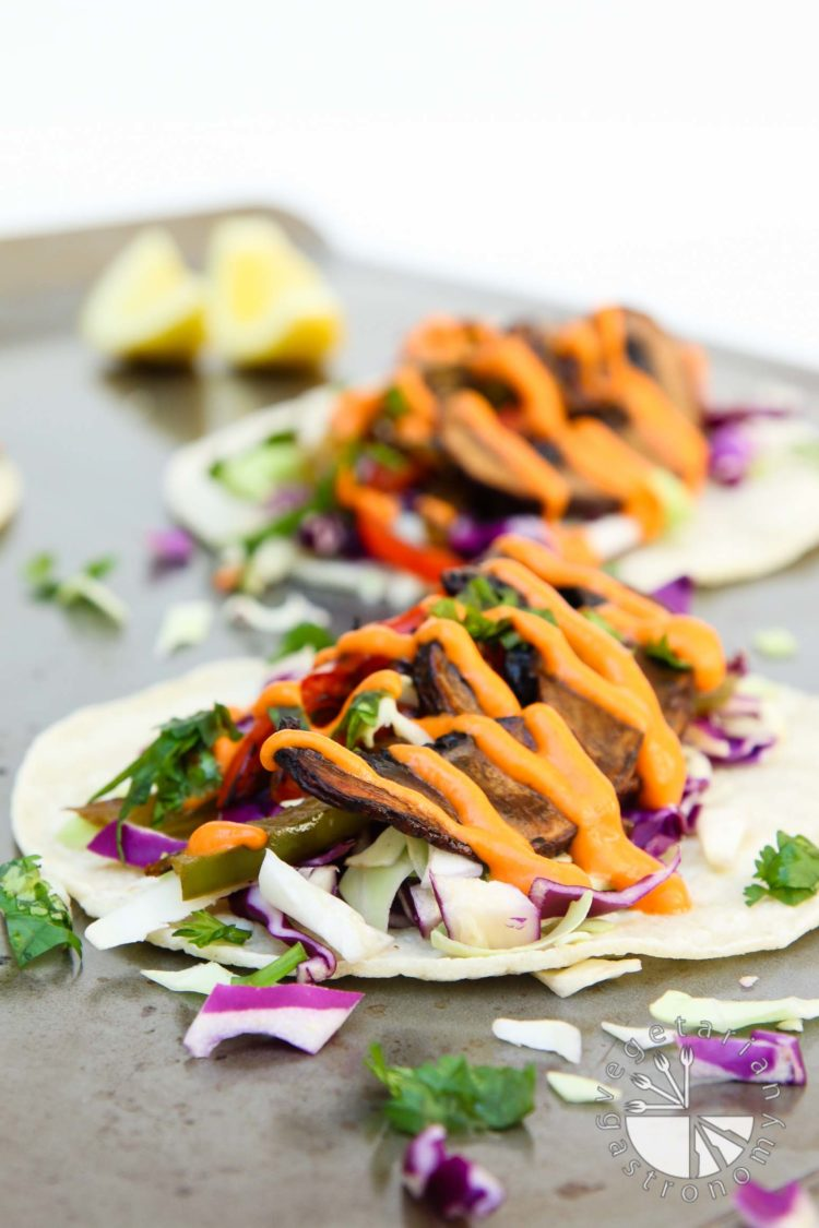 roasted balsamic portobello tacos with spicy red pepper sauce-2