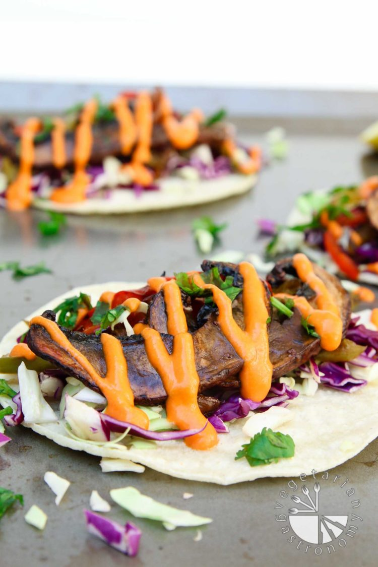 roasted balsamic portobello tacos with spicy red pepper sauce-5