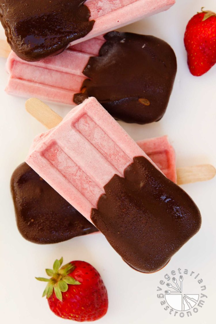 Chocolate Covered Strawberry Cream Popsicles - Vegetarian Gastronomy