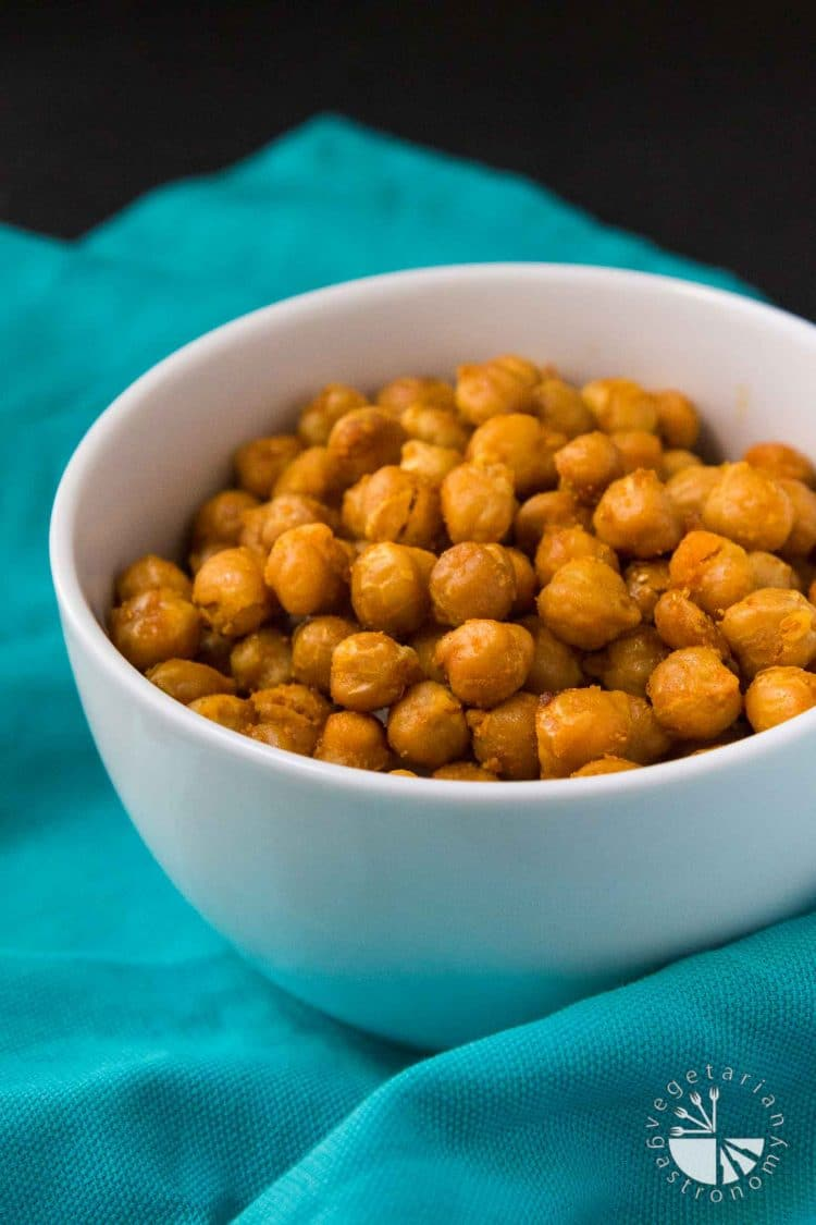Sweet & Salty Oven Roasted Curried Chickpeas - Vegetarian Gastronomy