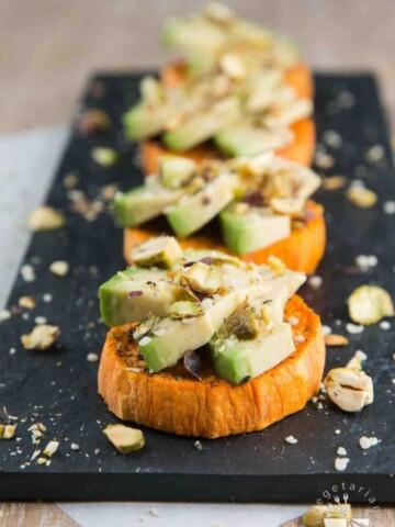 Sweet Potato Avocado Toast with Pistachios & Hemp Seeds #vegan #glutenfree #healthy | www.VegetarianGastronomy.com