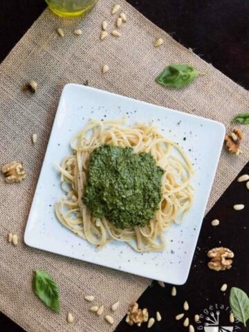 Simple Vegan Pesto Recipe! #vegan #glutenfree | www.vegetariangastronomy.com